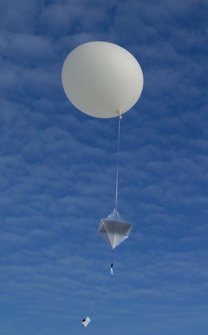 Wetterballon mit Radiosonde: Beim DWD gibt es jetzt zusätzliche Messungen, um Datenlücken aufzufüllen