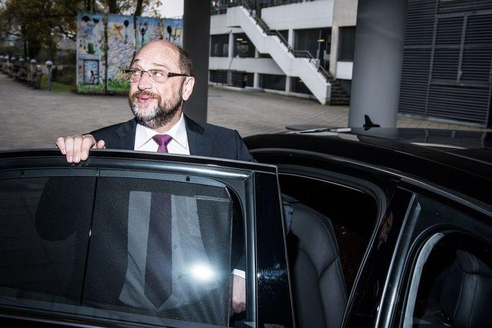 Politiker Schulz: Umarmungsstrategie für den Machterhalt