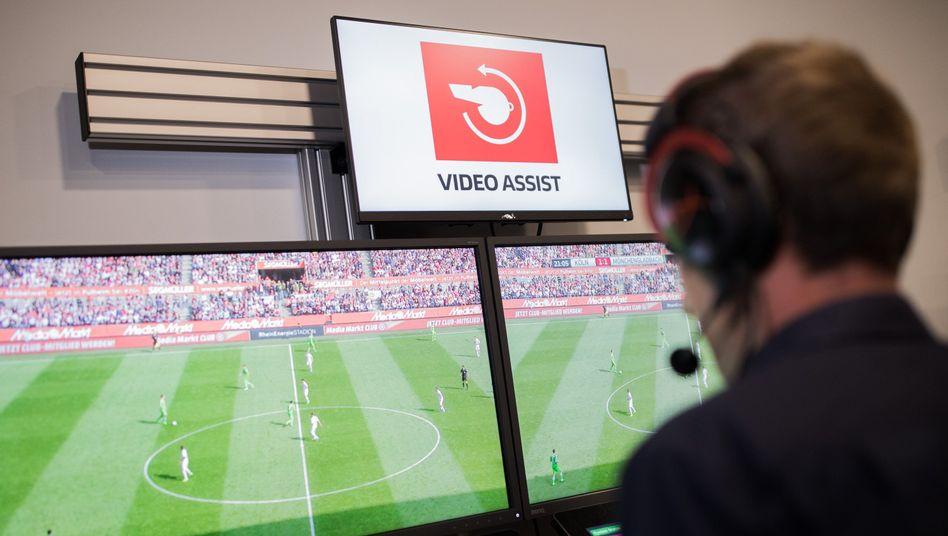 Video-Assistent bei der Arbeit