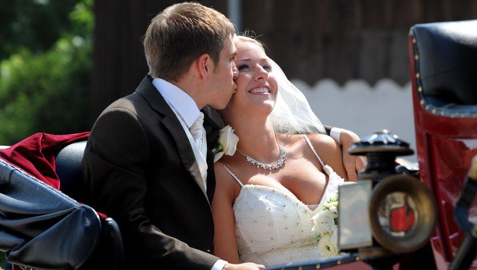 Lahms Hochzeit, Teil 2: Sommermärchen mit Braut