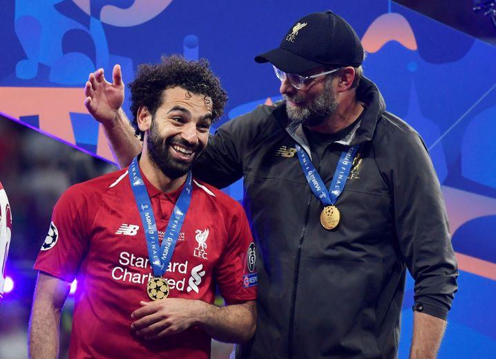 Salah und Klopp beim Champions-League-Finale gegen Tottenham Hotspur