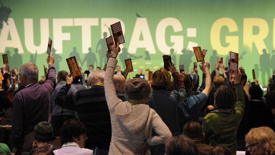 Abstimmung beim Grünen-Parteitag: Leicht an Zustimmung verloren