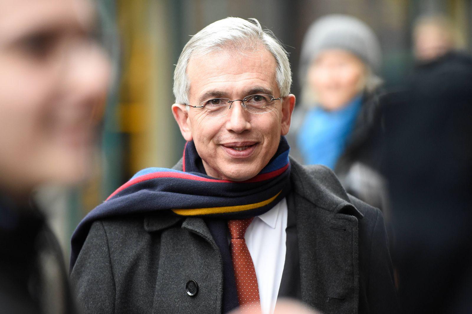 EINMALIGE VERWENDUNG Peter Feldmann