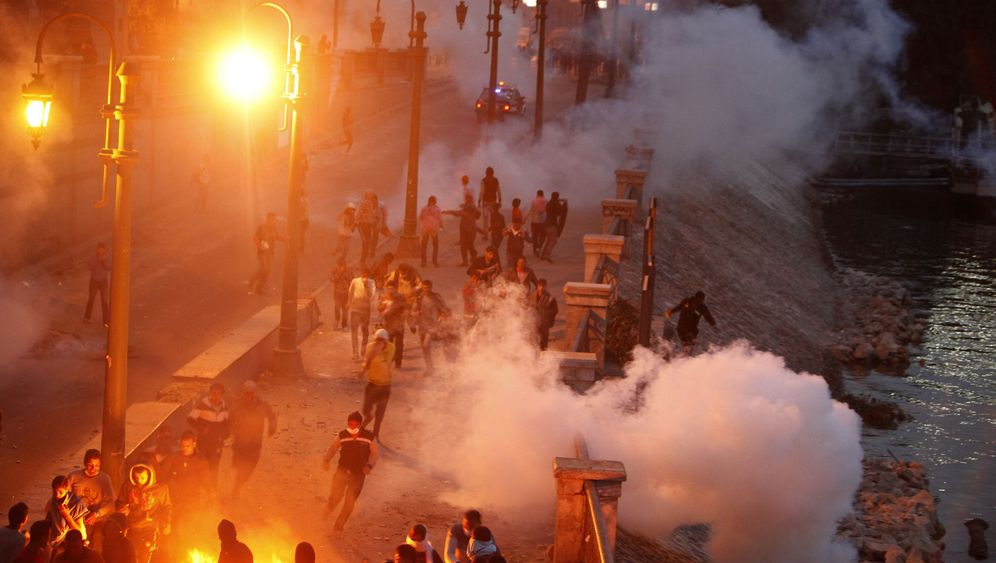 Gewalt nach Fußballfan-Urteil: Ausnahmezustand in Ägypten