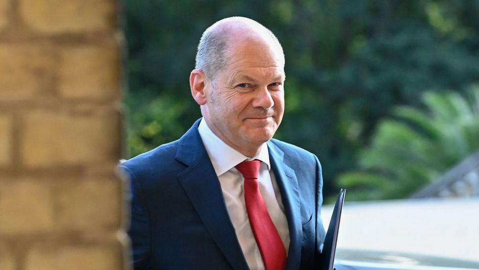 Finanzminister Scholz: fast hundert Milliarden Euro neue Kredite für den Bund