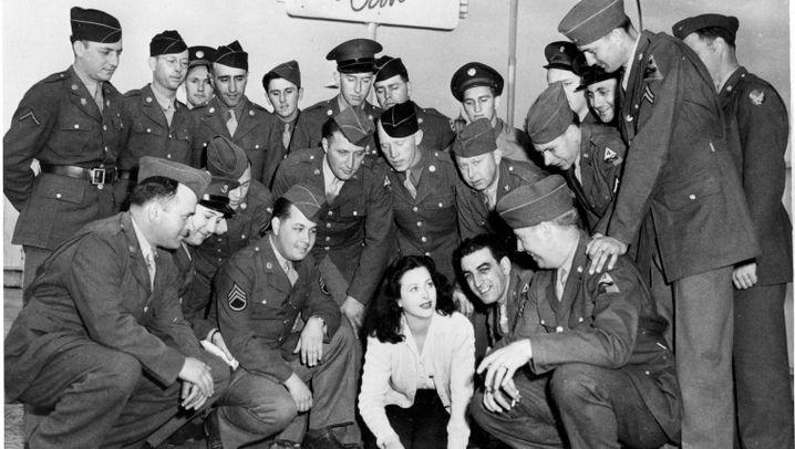 Filmorgasmen und Ladendiebstahl: Hedy Lamarrs Leben voller Skandale