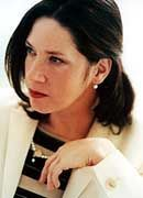 Kathy Kelly: Statt Schlabberlook Desginer-Klamotten