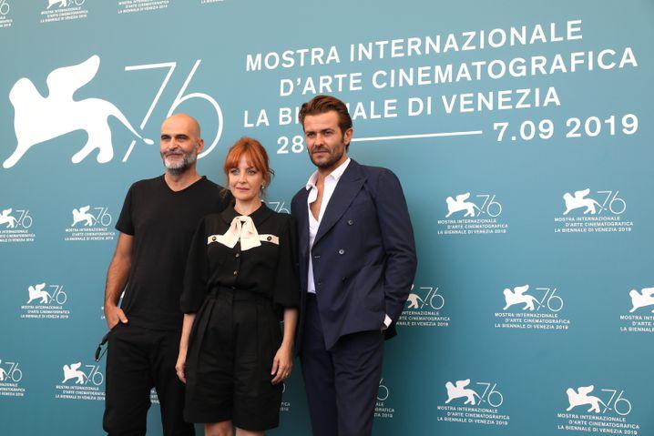Regisseur Tiago Guedes nit den Schauspielern Sandra Faleiro und Albano Jéronimo