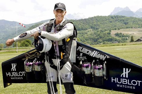 """Swiss inventor Yves """"Fusion Man"""" Rossy spoke to SPIEGEL ONLINE about his flying adventures."""