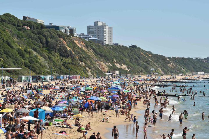 """Lokalpolitikerin über den Andrang am Strand von Bournemouth: """"Absolut entsetzt über die Szenen"""""""