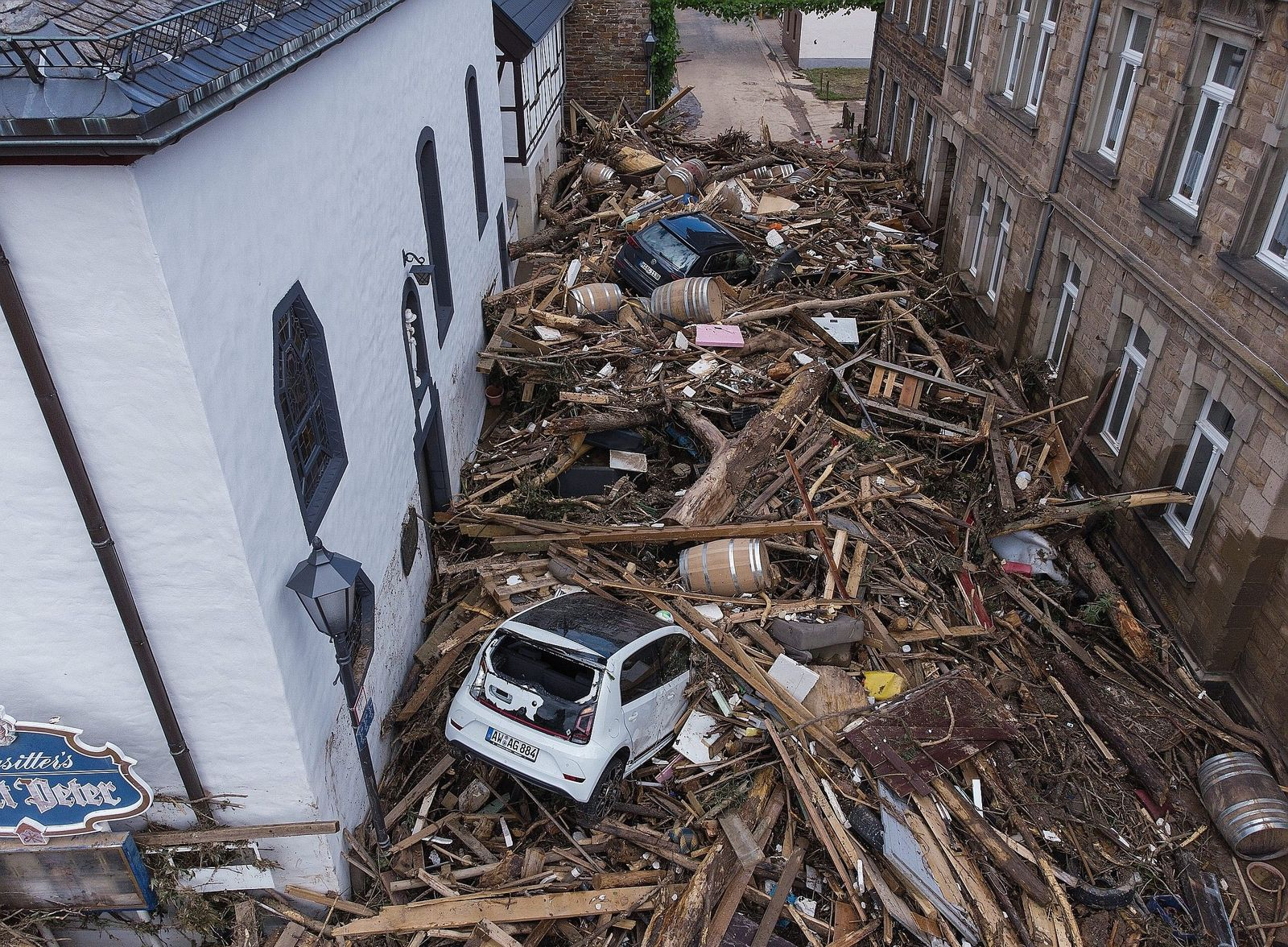 Germany: Flood Disaster Could Become a Major Issue in Election - DER SPIEGEL
