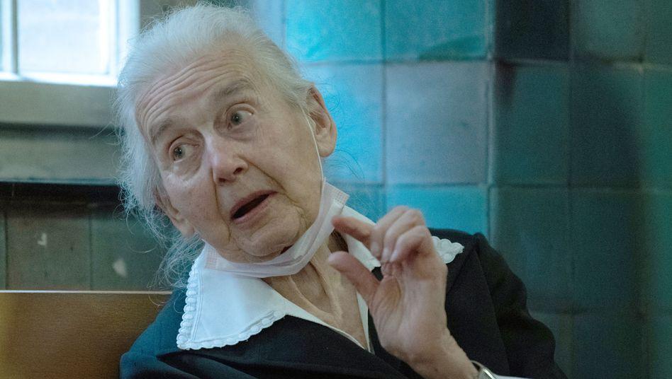Ursula Haverbeck (Mitte November): Mehrfach verurteilte Holocaustleugnerin