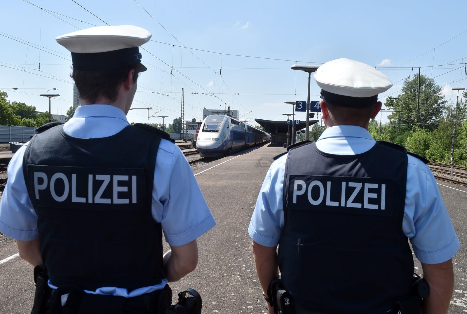 Bundespolizei auf dem Bahnhof Kehl