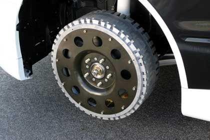 Radaufhängung: In jedem Rad ist ein Elektromotor integriert