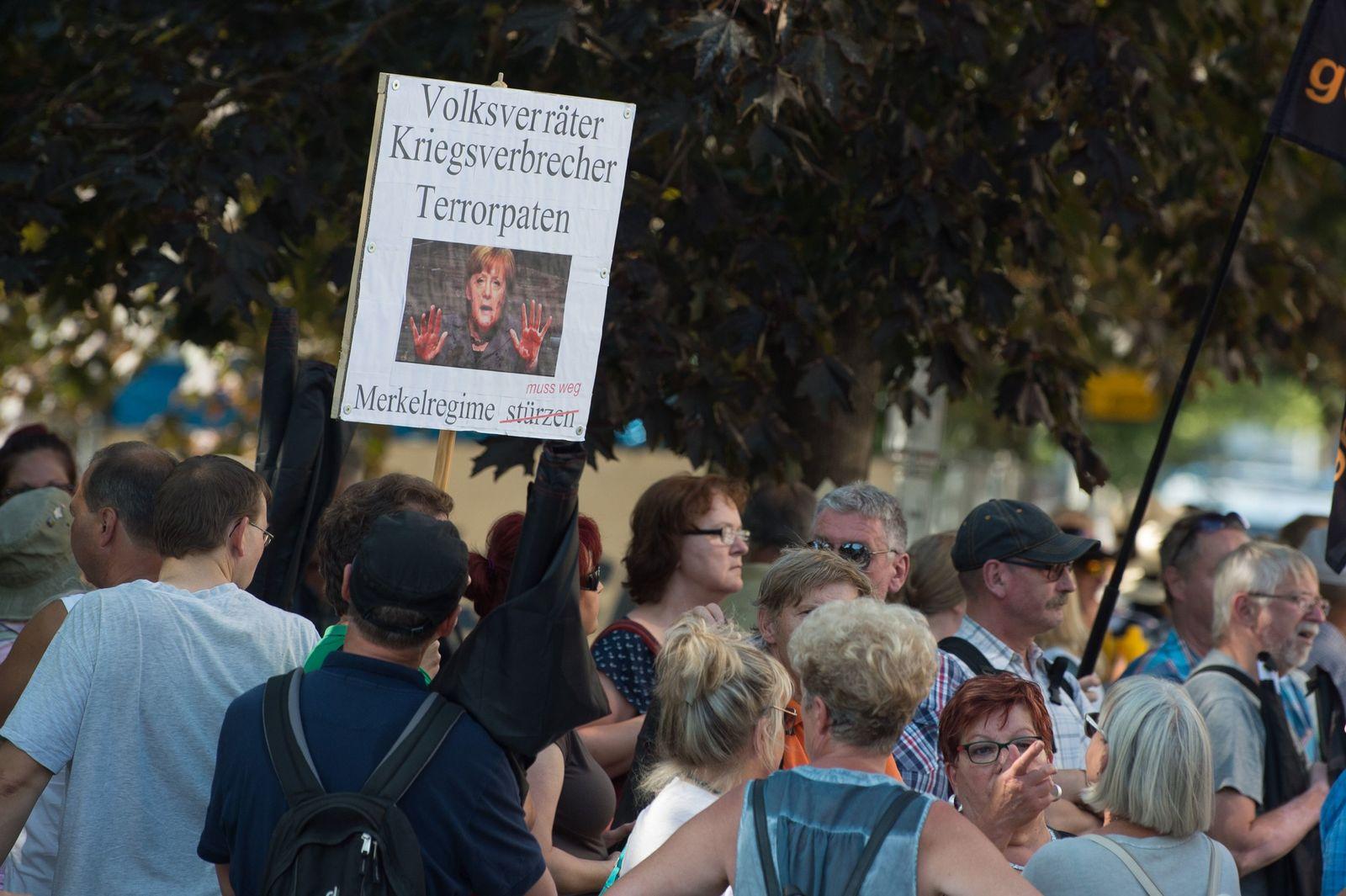 Proteste bei Besuch von Merkel in Dresden