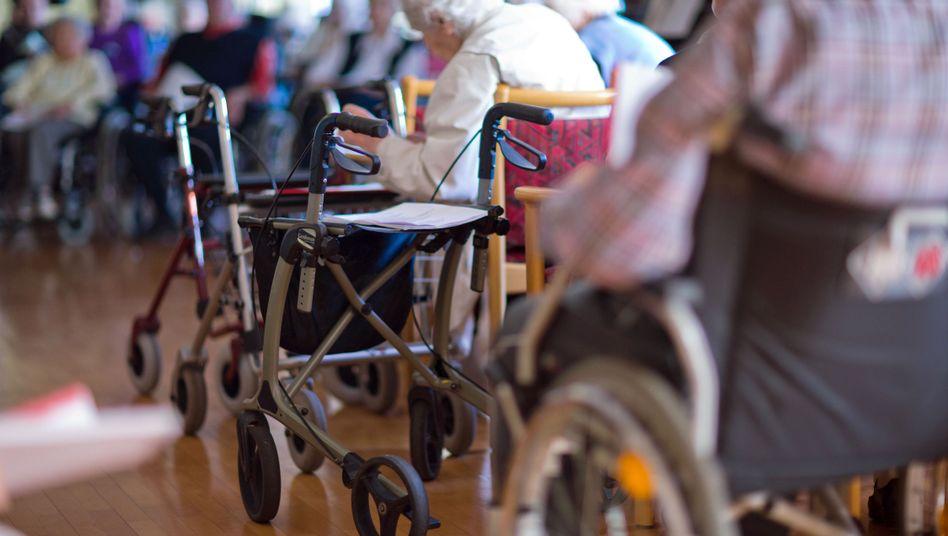 Altenheim: Streit um Elternunterhalt