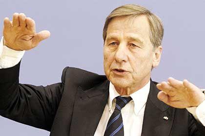 Clement: Die Lohnnebenkosten sollen unter 40 Prozent sinken