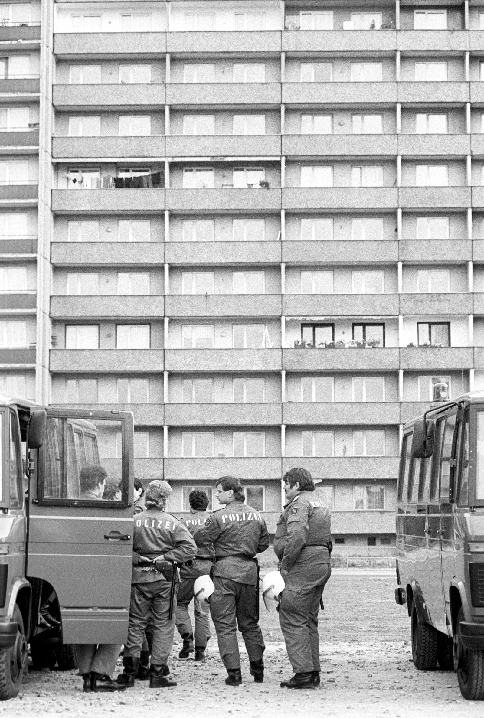 Ausländerfeindliche Ausschreitungen in Hoyerswerda Polizeieinsatz