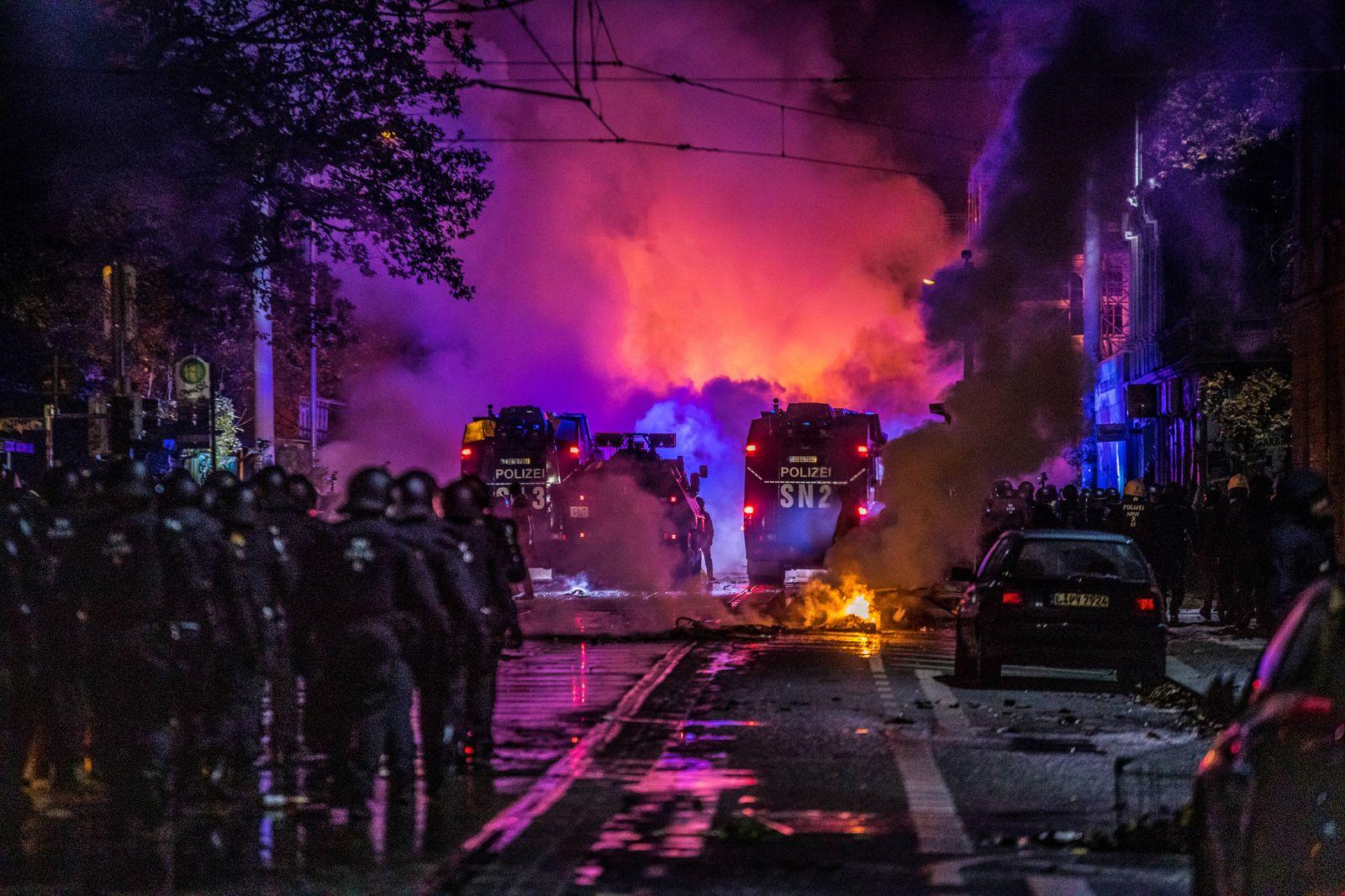 Nach dem es am 7. November 2020 zu einer Demonstration der Bewegung Querdenken im Leipziger Zentrum kam, zogen ca. 1000