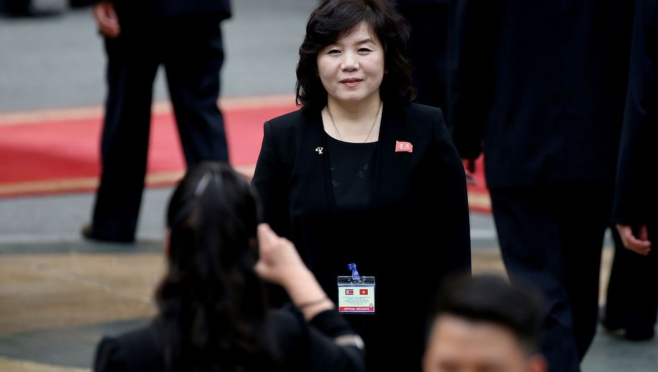 """Nordkoreas Spitzendiplomatin Choe Son-Hui über Donald Trump: """"Rückfall in die Senilität eines Senilen"""""""
