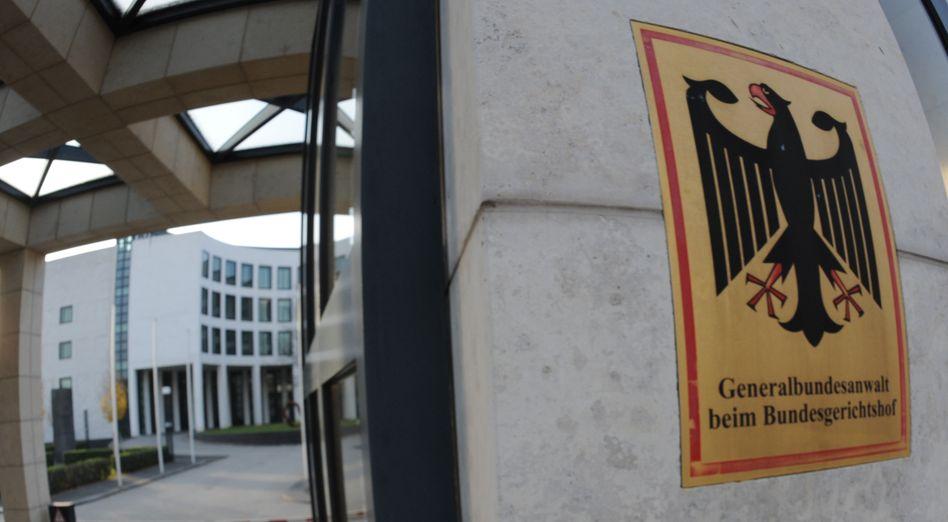 """Wappen des Generalbundesanwalts in Karlsruhe (Archivbild): IS-Komplex """"eine besondere Herausforderung für die Strafverfolgungstätigkeit"""""""