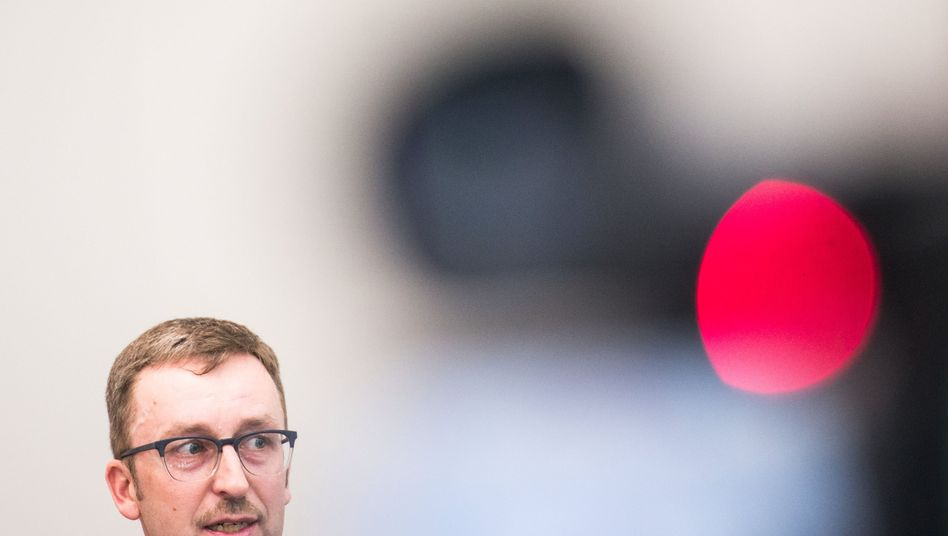 Armin Wolf, Leiter der Ermittlungsgruppe Olet