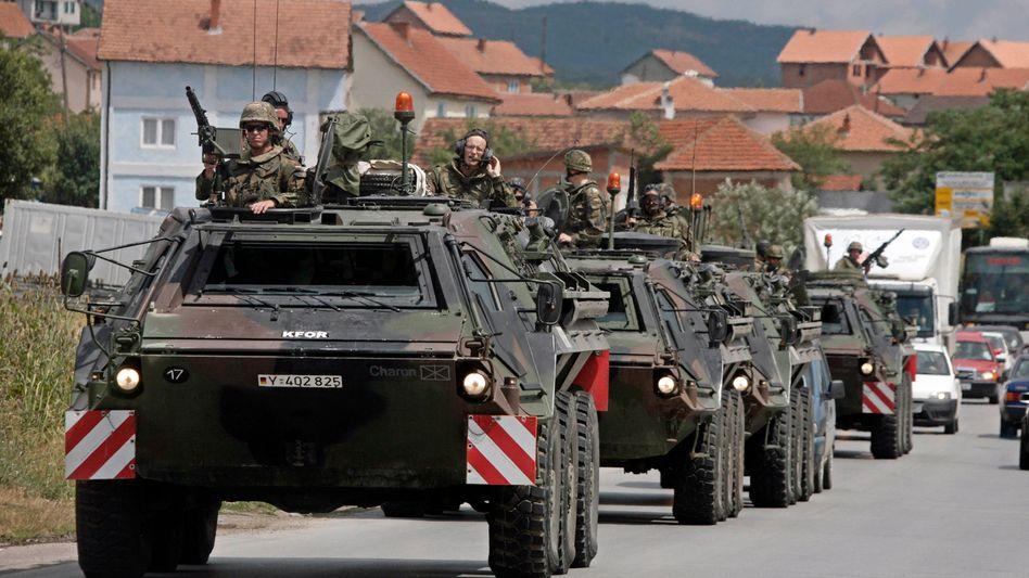 Bundeswehr-Truppen im Kosovo: Die Lage bleibt angespannt