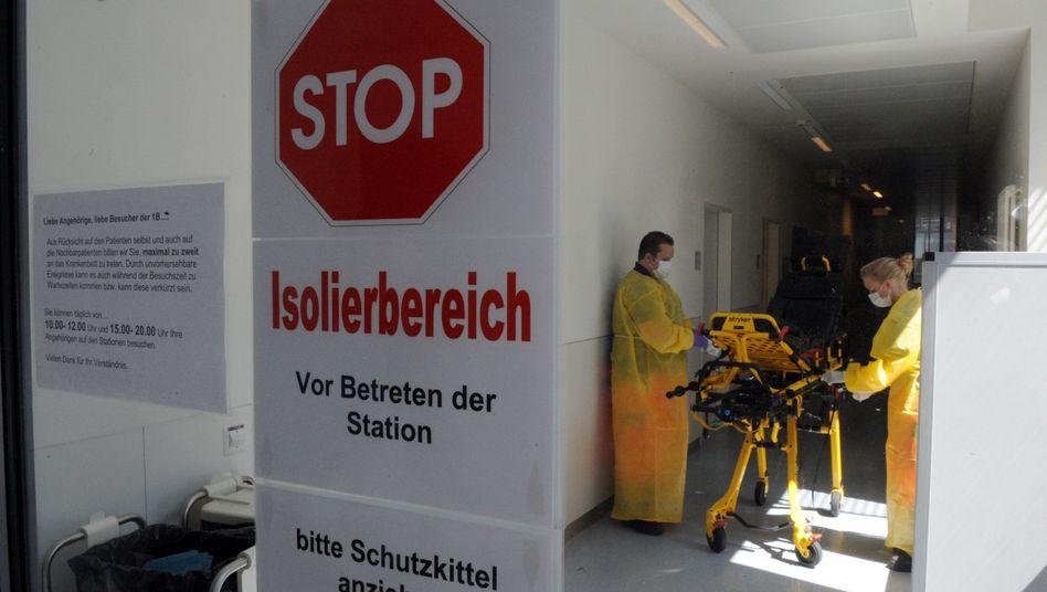 Isolierstation im Hamburger UKE (Archivbild): Ebola-Patient ist wieder gesund