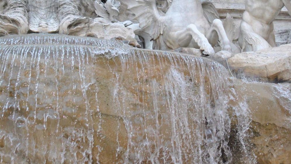 Sommerhitze in Rom: Badeverbot im Trevibrunnen