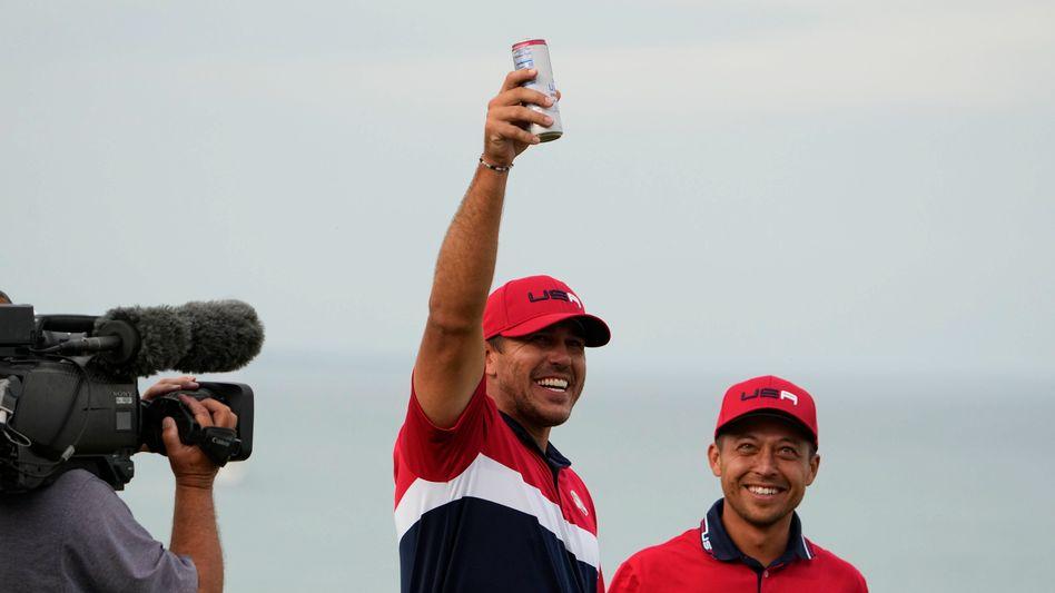 Ein Prosit auf den Sieg: Brooks Koepka holte mit dem US-Golfteam den Sieg beim Ryder Cup