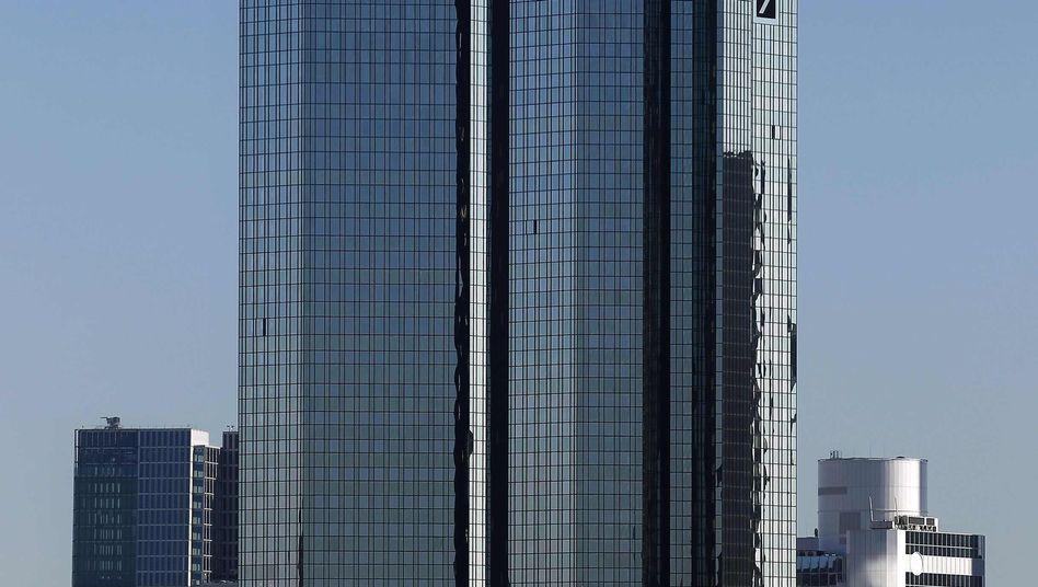 Zentrale der Deutschen Bank in Frankfurt am Main: Herabstufung wahrscheinlicher geworden