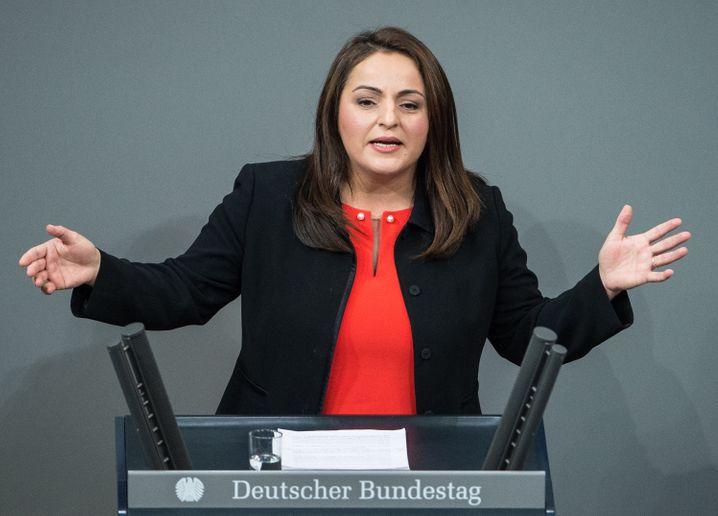 """Linkenpolitikerin Dagdelen, Mitinitiatorin der Erklärung: """"Angriff auf friedenspolitische Grundpositionen"""""""