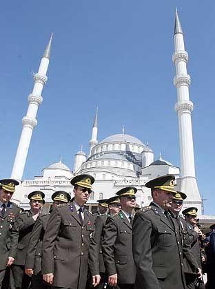 Türkische Offiziere in Ankara: Machtvolle Signale an die Regierung