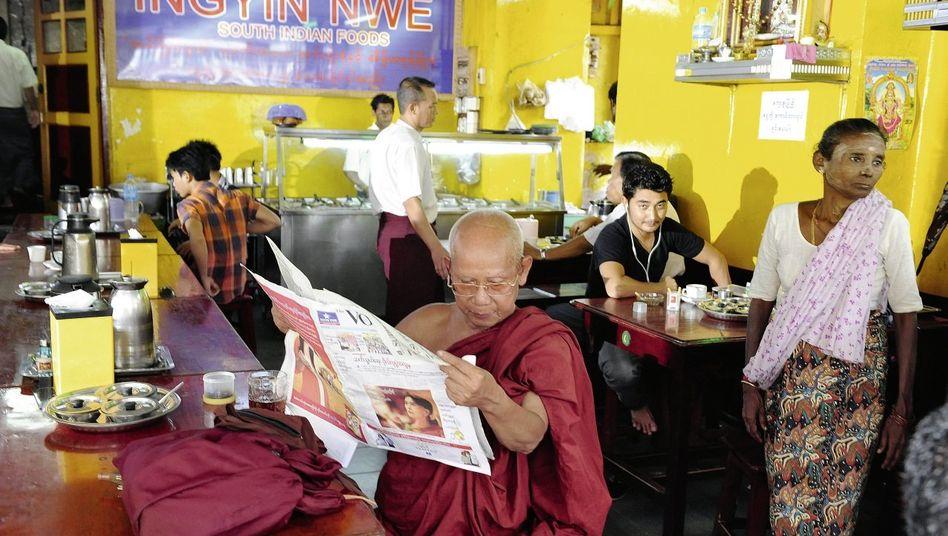 Restaurant in Rangun: »Wir wissen nicht mehr, wer Freund und wer Feind ist«