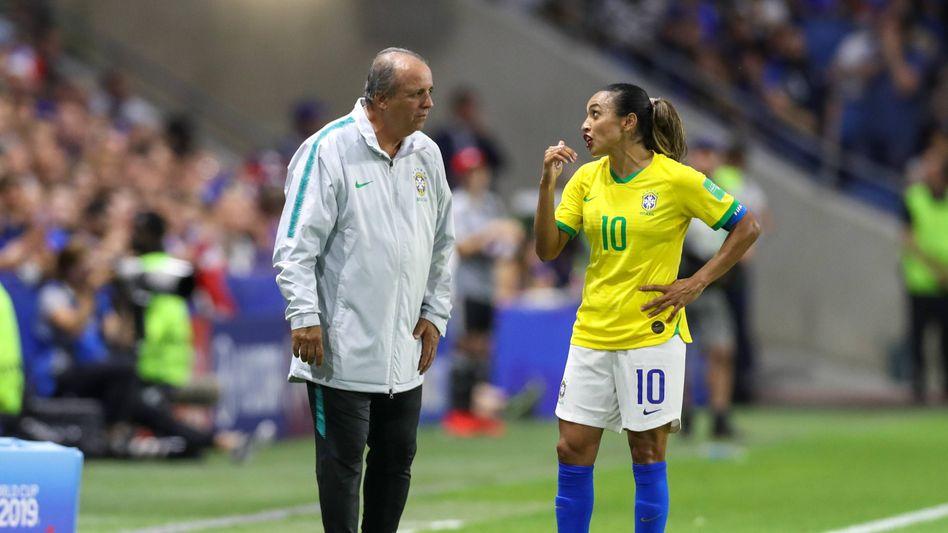 Vadão (l.) und seine Starspielerin Marta