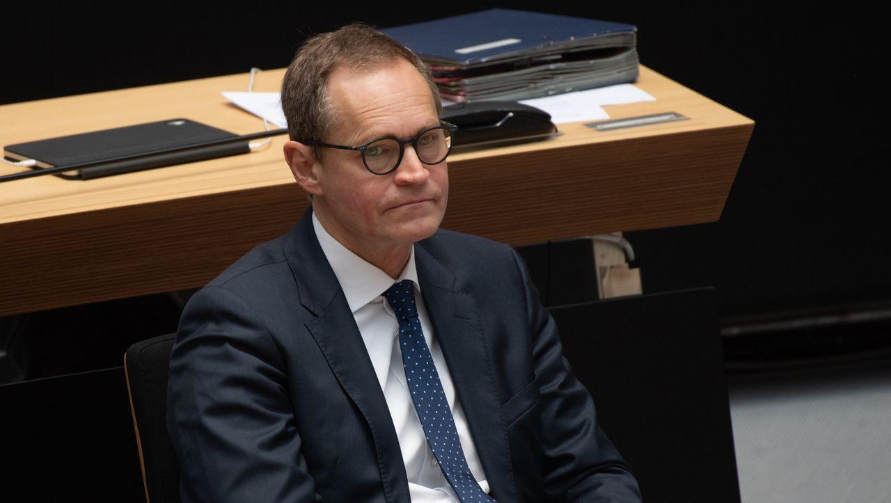 Corona-Maßnahmen: Berlins Bürgermeister Müller verspricht Stufenplan für Lockerungen - DER SPIEGEL