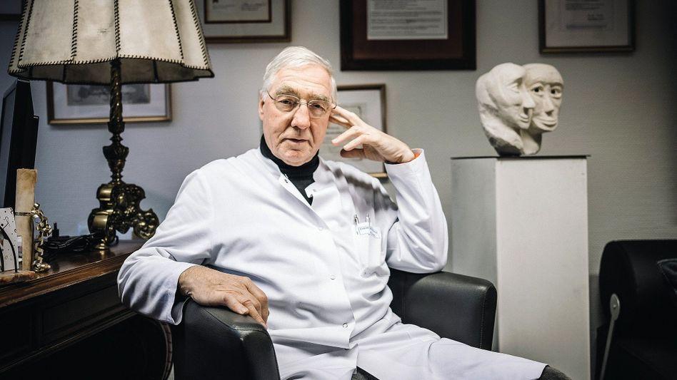 Chefarzt Sandmann: Man brauche ein »Händchen«
