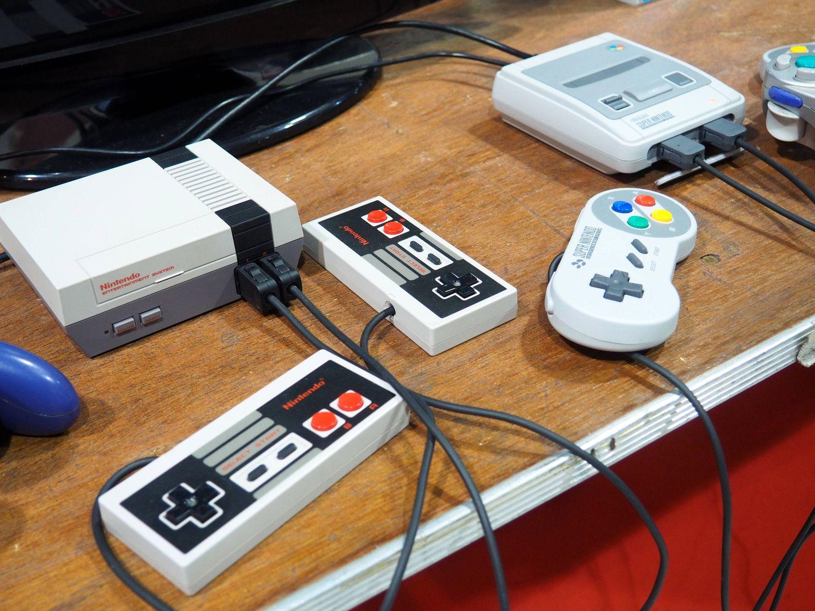 Retro-Spielekonsole