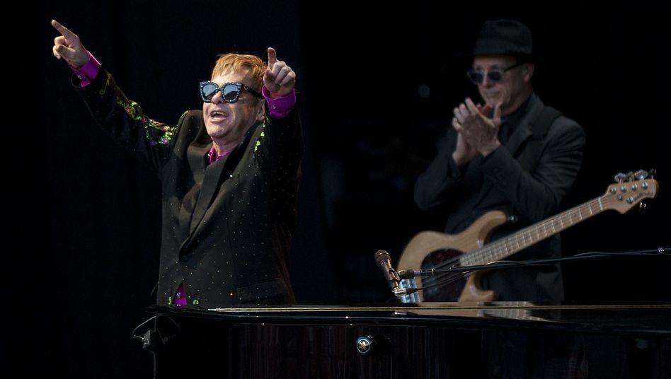 Elton John bei einem Konzert im Juli 2017 im spanischen Marbella