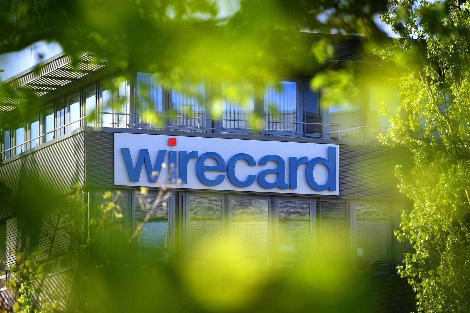 wirecard Logo Firmenemblem Schriftzug Gebaeude Fassade Sitz in Aschheim Dornach Bilanzpressekonf