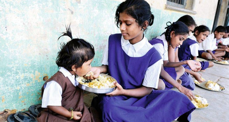 Schulspeisung in Indien