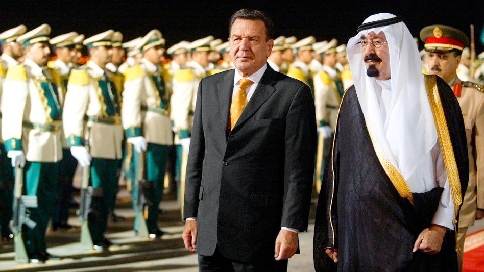 Kanzler Schröder, damaliger Kronprinz Abdullah (2003): Wichtiges Rüstungsexportziel