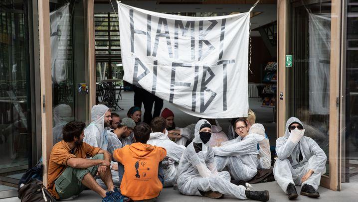Proteste in der Hauptstadt: Der Hambacher Forst ist auch in Berlin