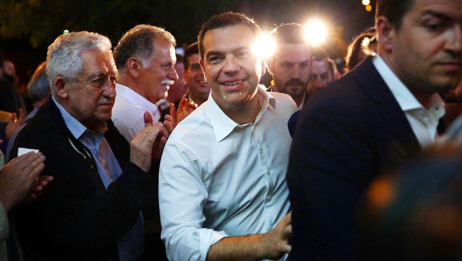 Griechenlands Premierminister Alexis Tsipras hat nach den Ergebnissen der Europawahl vorgezogene Neuwahlen angekündigt