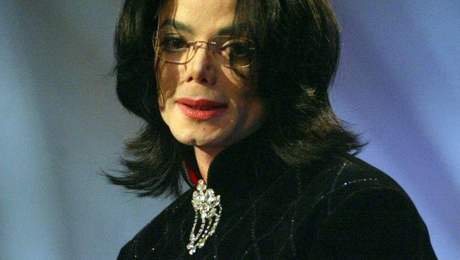 """Michael Jackson (Foto vom 21.11.2002): """"Vertrauliche Abfindungsvereinbarung"""""""