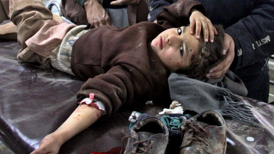 Verletzter Junge im Nordwesten Pakistans: Neuer Angriff von Extremisten