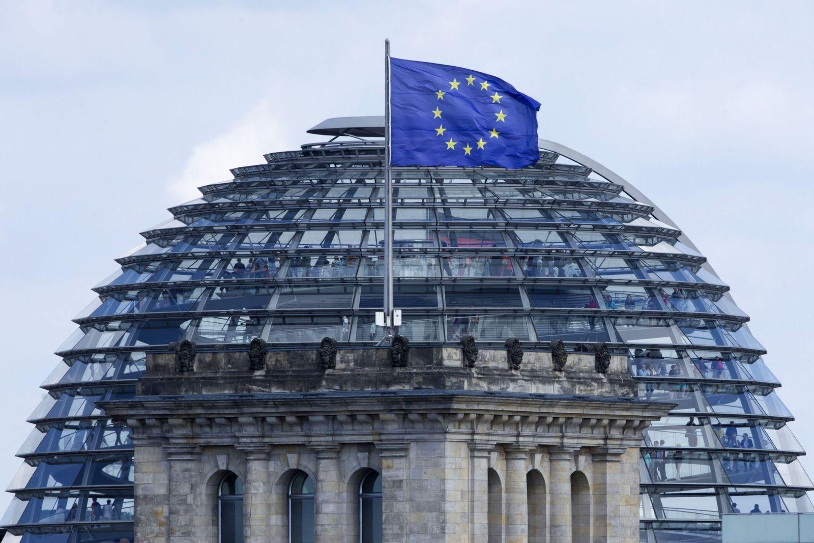 Europa / Flagge / Reichstag