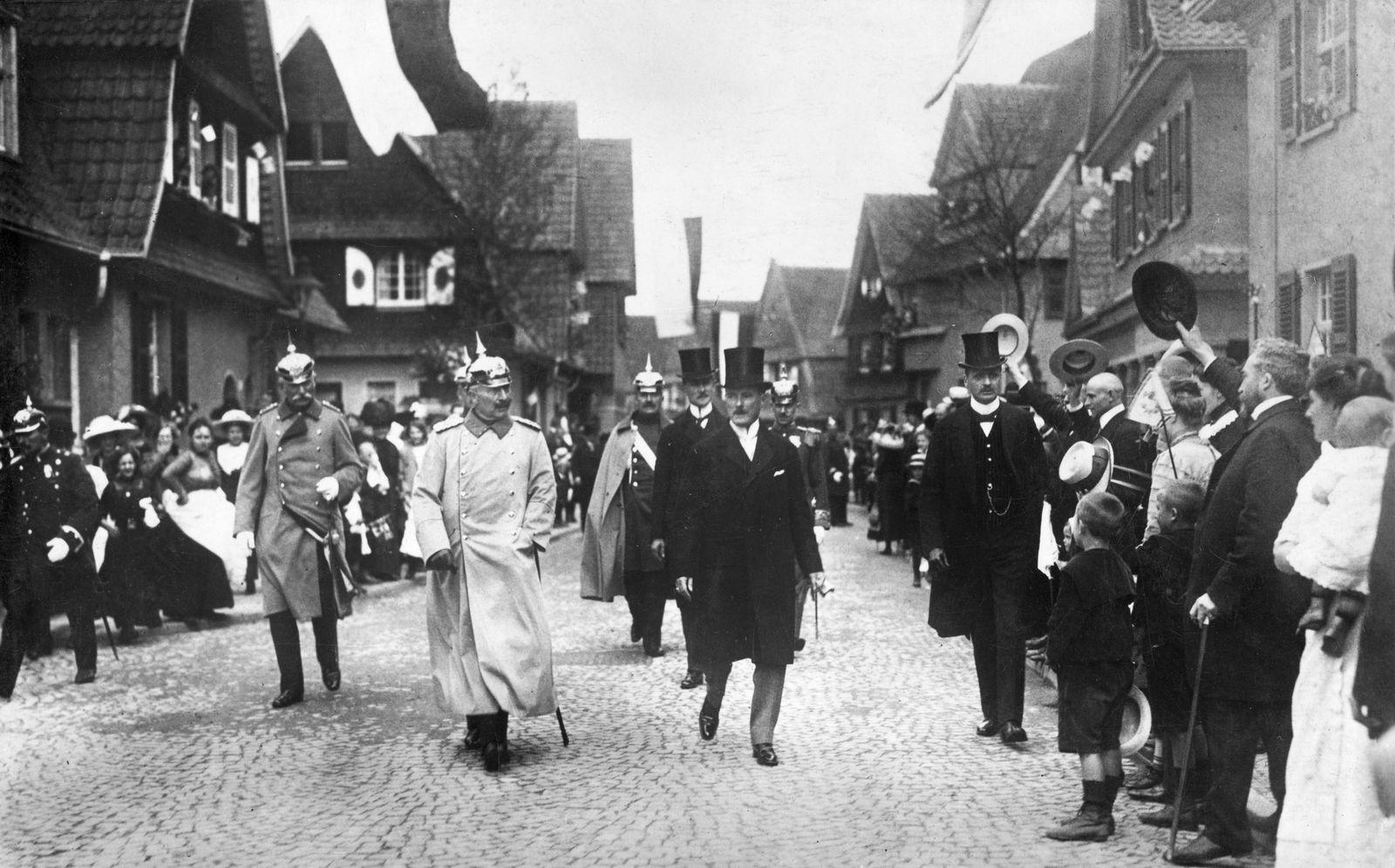 Die Feierlichkeiten zum 100 jährigen Bestehen der Firma Krupp