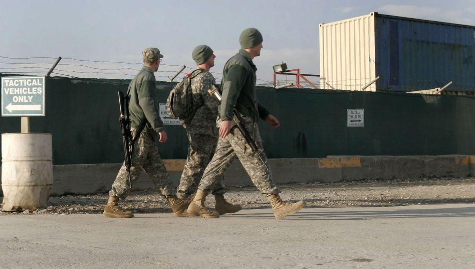 """US-Soldaten vor dem Stützpunkt in Bagram: Bericht über Sondergefängnis """"Hundezwinger"""""""