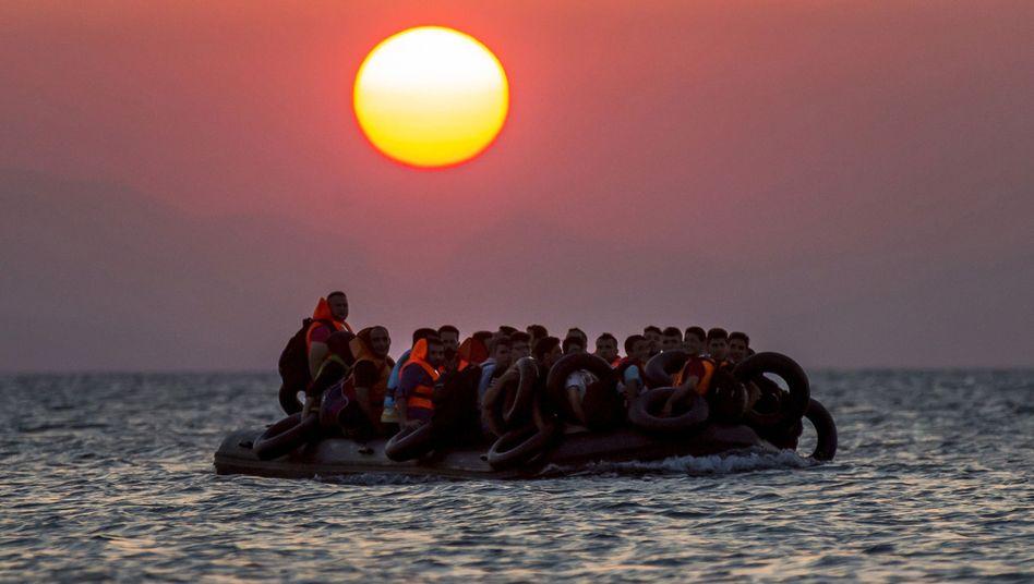 Flüchtlingsboot vor Kos: Kreuzfahrtschiffe ändern ihre Routen